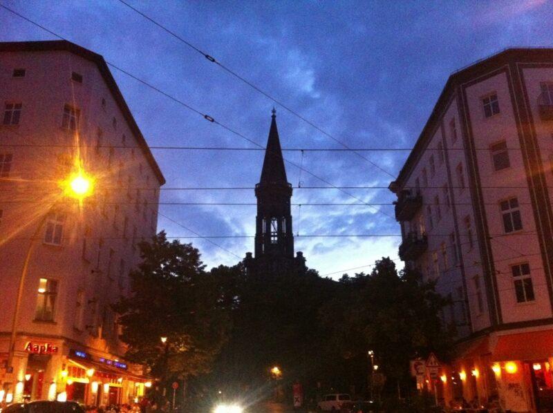 Berlin: Zionskirche Abendhimmel
