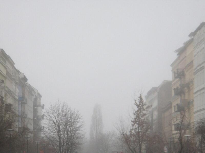 Berlin Oderberger Straße im Nebel