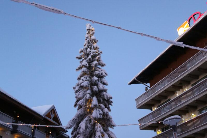 Winter in Funnland: Weihnachtsbaum in Ruka