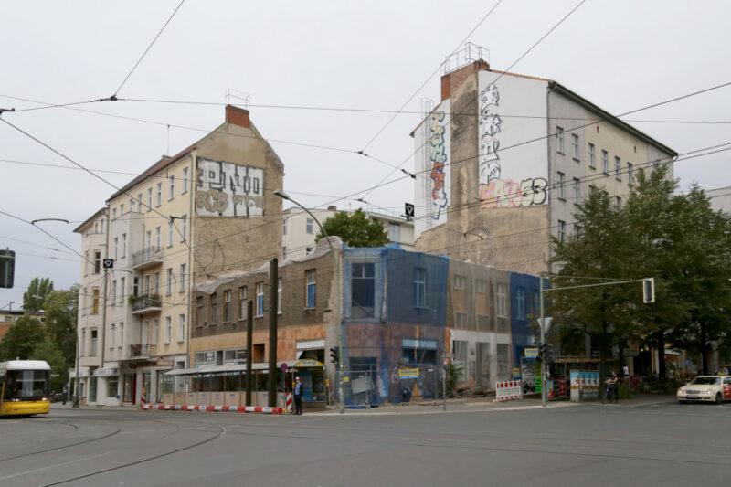 Berlin-Mitte Kreuzung Brunnenstrasse Invalidenstrasse 1 Häuser Ecke