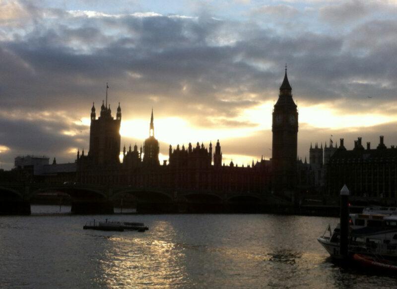 London: Big Ben- und Westminster-Silhouette
