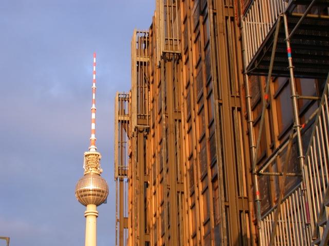 Berlin Fernsehturm Palast der Republik